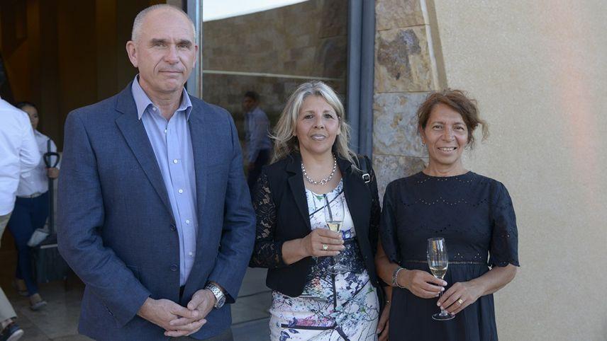 Alejandro Antón, Magdalena Herrera y Mabel Puebla.