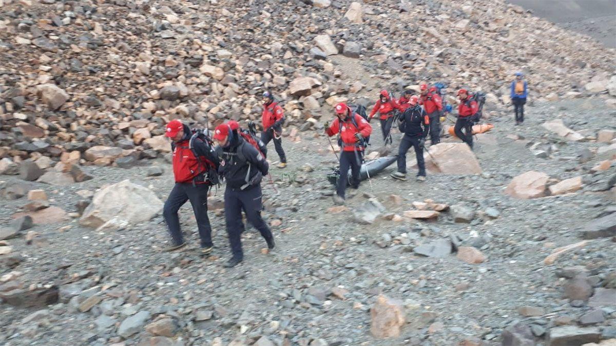La Patruilla de Rescate recuperó los cuerpos de dos andinistas perdidos hace 25 años