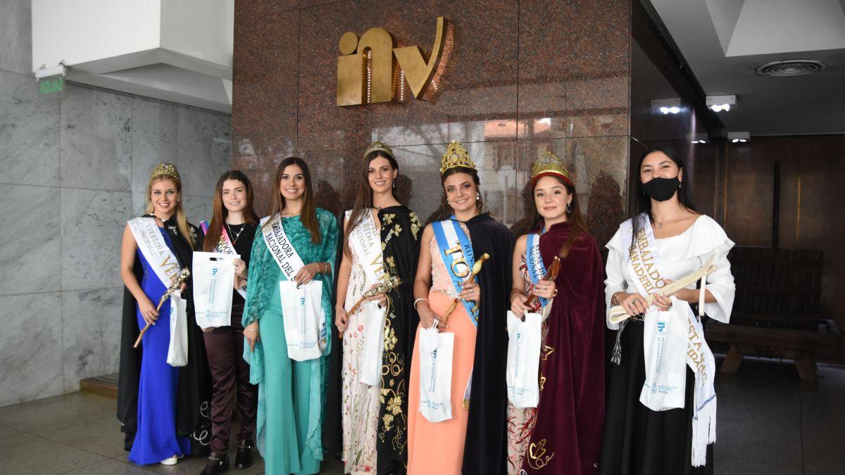 Estas son las reinas y embajadoras nacionales y provinciales que se capacitaron y fueron agasajadas por el Instituto Nacional de Vitivinicultura.
