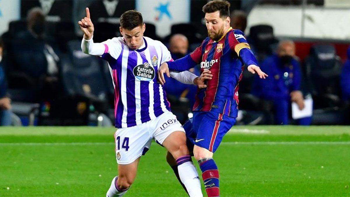 Messi se re calentó con el árbitro en el entretiempo