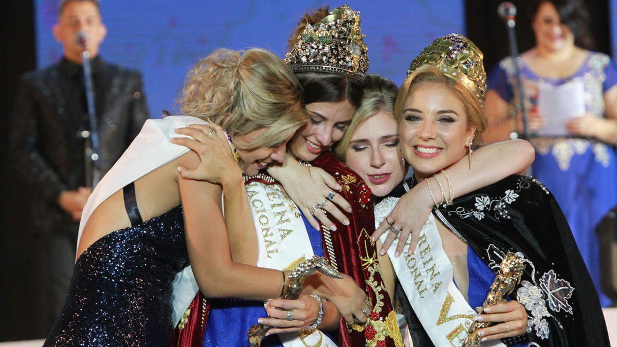 Mayra Tous y María Eugenia Serrani seguirán siendo Reina y Virreina de la Vendimia hasta el 2022.