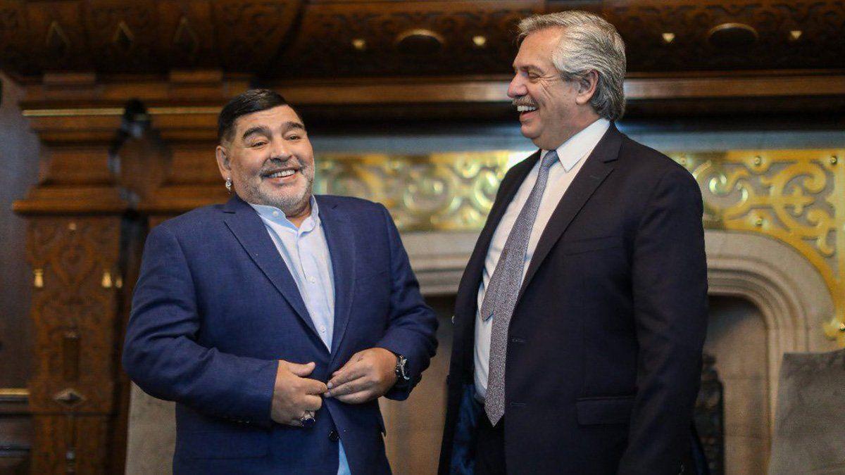 Alberto Fernández saludó a Maradona: Los argentinos le debemos muchos momentos de felicidad