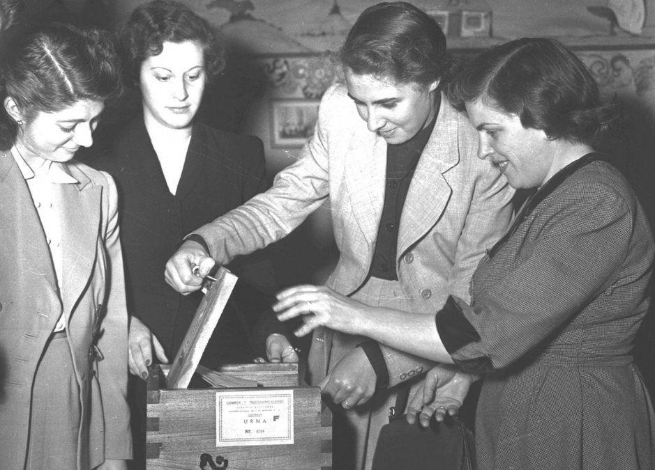 En 1947 se aprobó el voto femenino en Argentina.
