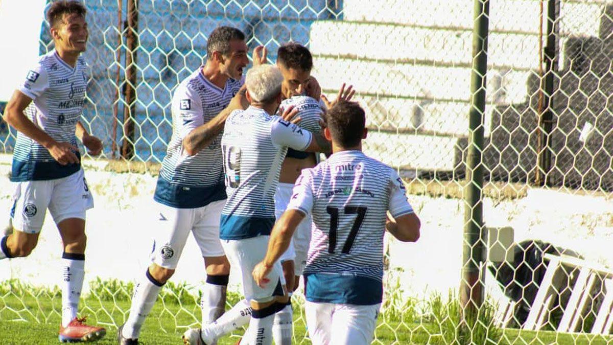 El ex Villa Mitre convirtió su primer gol con la camiseta de la Lepra.