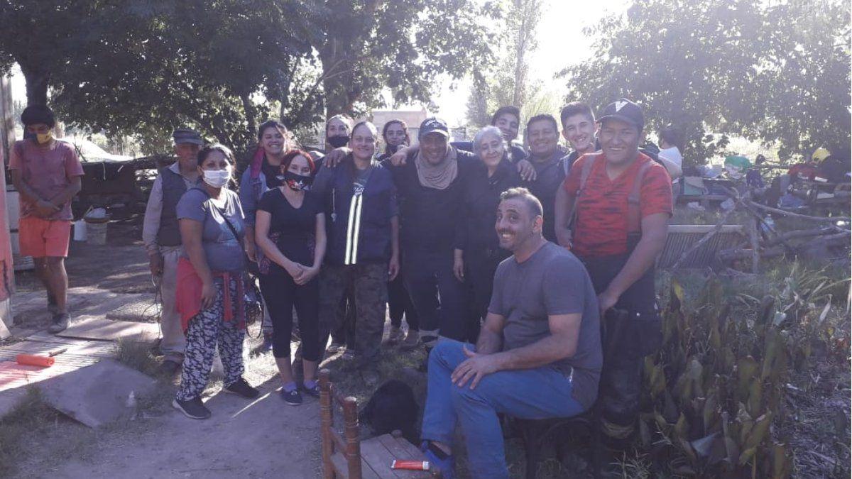 El trabajo en conjunto de la Asociación Corazones Solidarios y los Bomberos Voluntarios de Tupungato ayudó a salir de las más miserables condiciones de vida a los abuelos Ana María y Félix Fernández