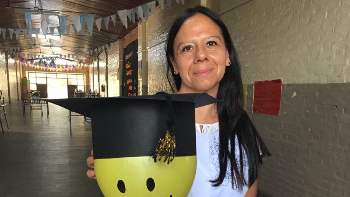 La señorita Gabriela Di Mateo quiso despedir a sus voluntariosos alumnos de séptimo grado de la mejor manera