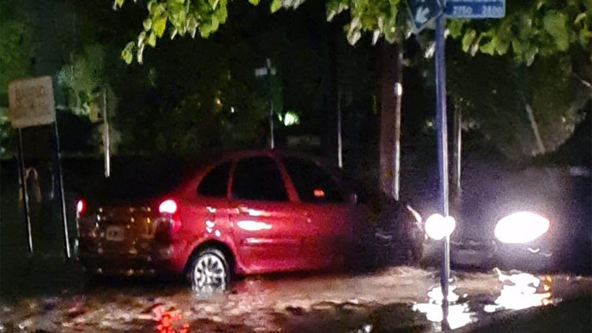Tormenta en Mendoza: abundante lluvia y apagones en el Gran Mendoza