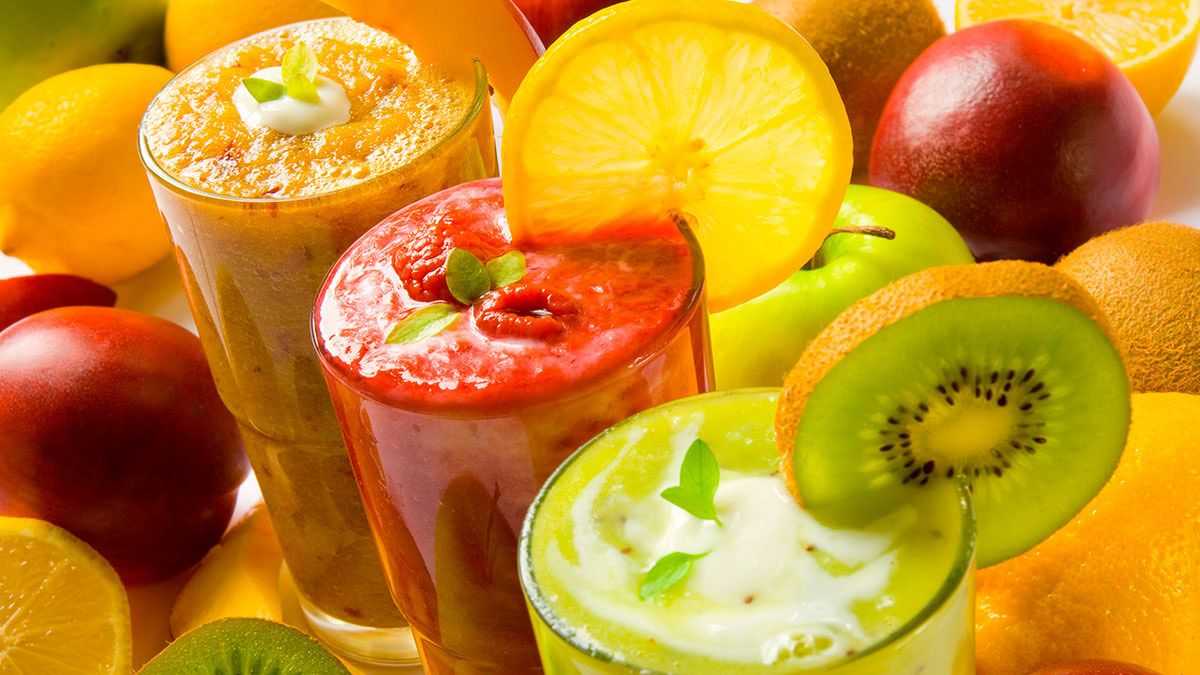 Los jugos naturales son recomendados como consumo saludable.