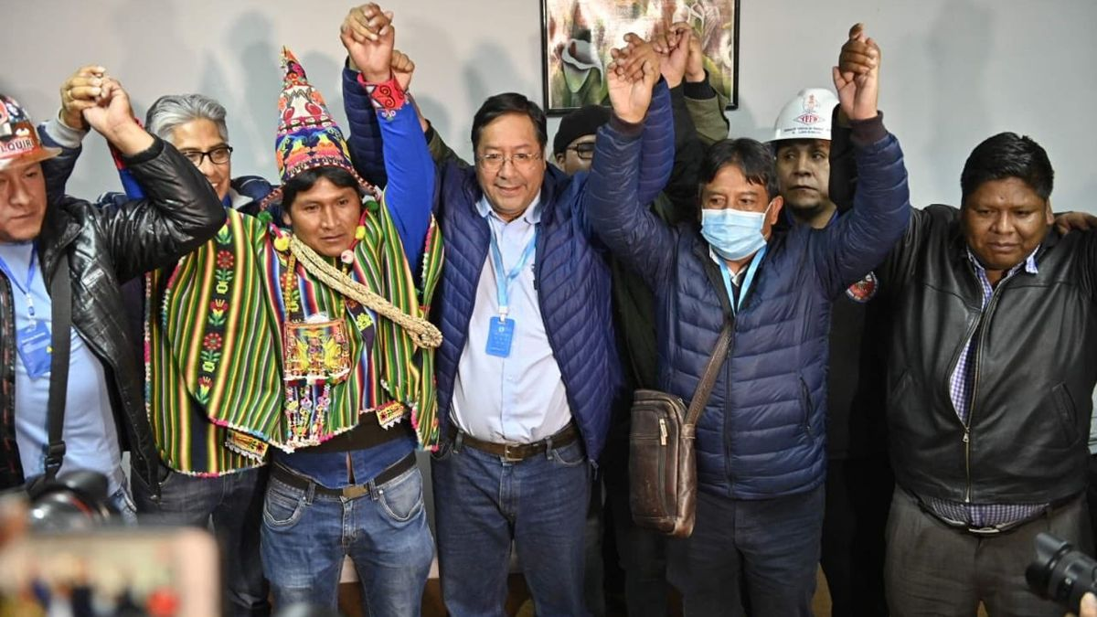Áñez reconoce la victoria del MAS y felicita a Arce y Choquehuanca