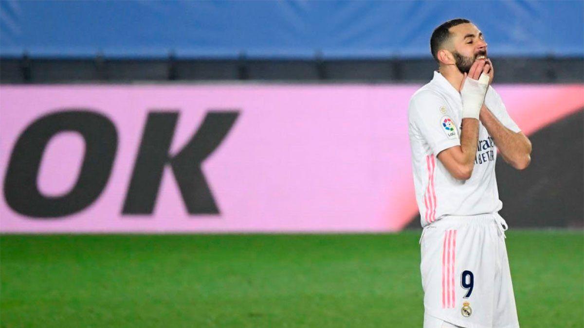 El francés Karim Benzema será juzgado por complicidad en intento de chantaje.