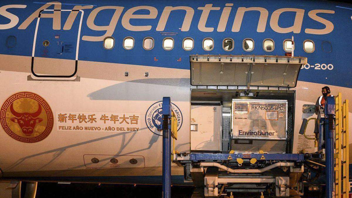 Argentina cuenta con un millón más de vacunas chinas