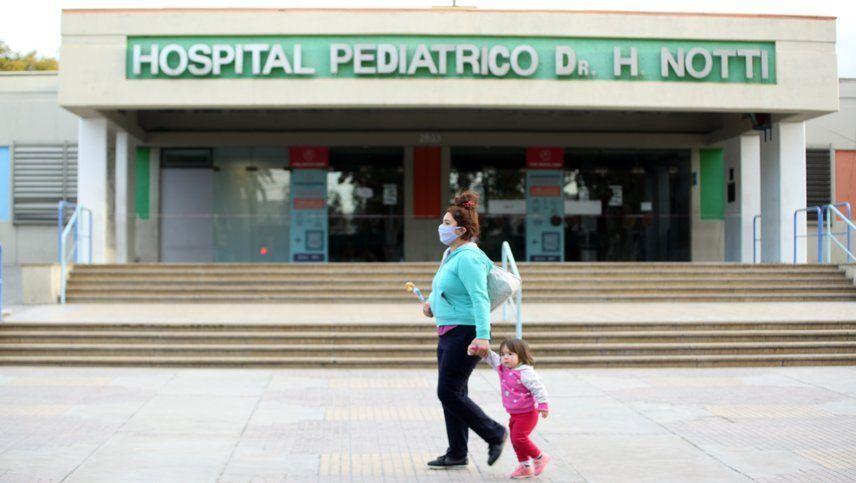 Por el caso positivo del Notti hay 18 enfermeros, 4 niños y 5 médicos en cuarentena