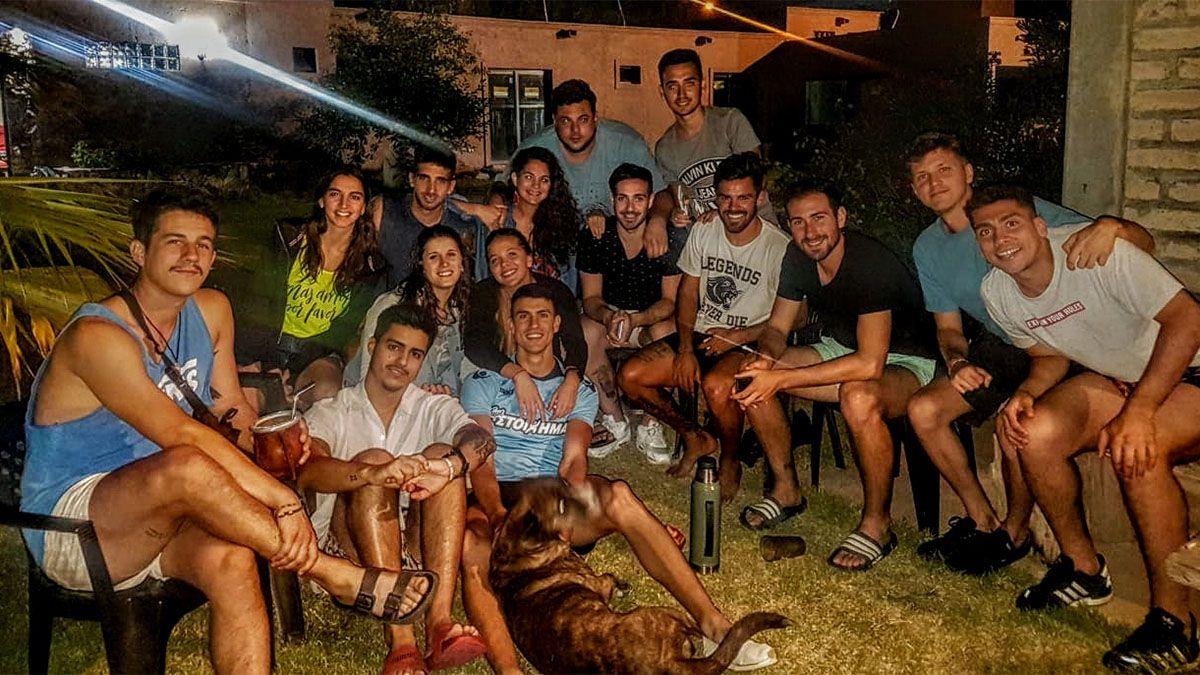 Mauro posa con su hermosa familia.