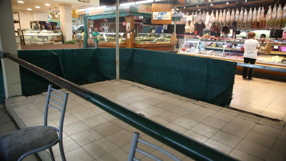 Muchos locales y puestos del Mercado Central están cerrados