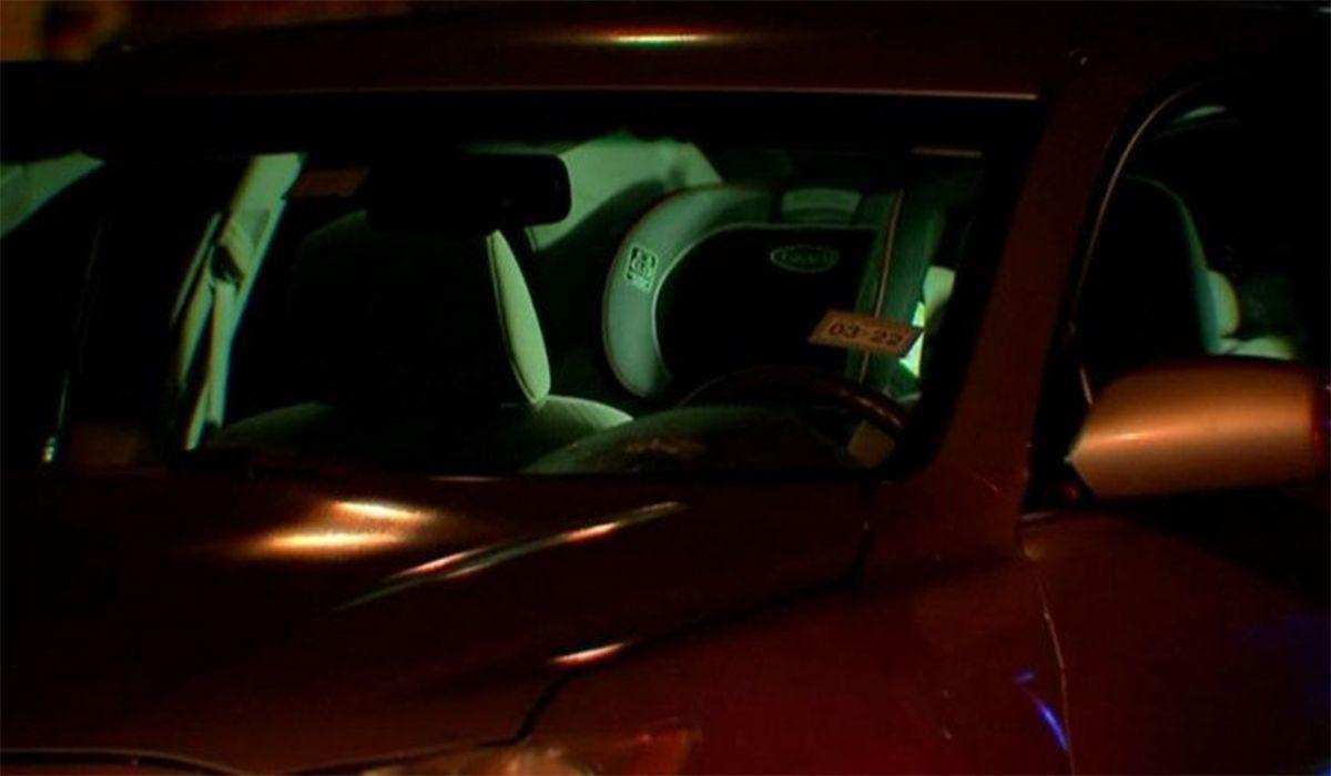 La Policía de Houston trabajó durante horas después del hallazgo del cuerpo de la bebé en el auto estacionado en la casa de la mujer
