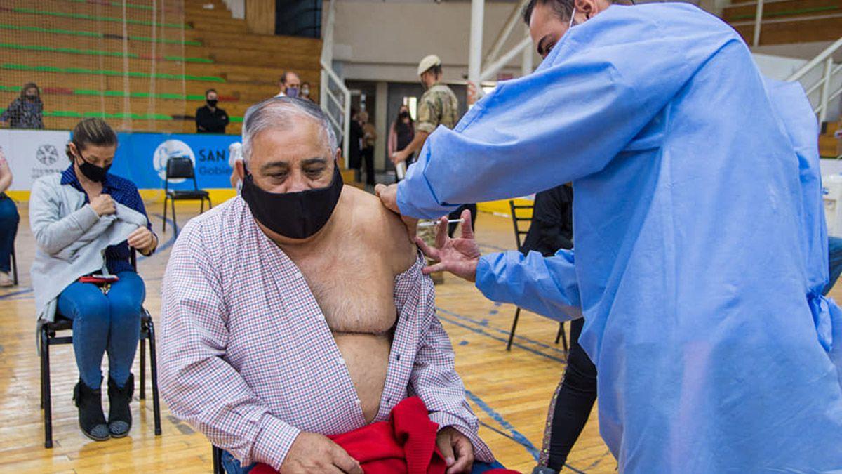 En 4 días vacunaron a 5.000 persoans en San Martín