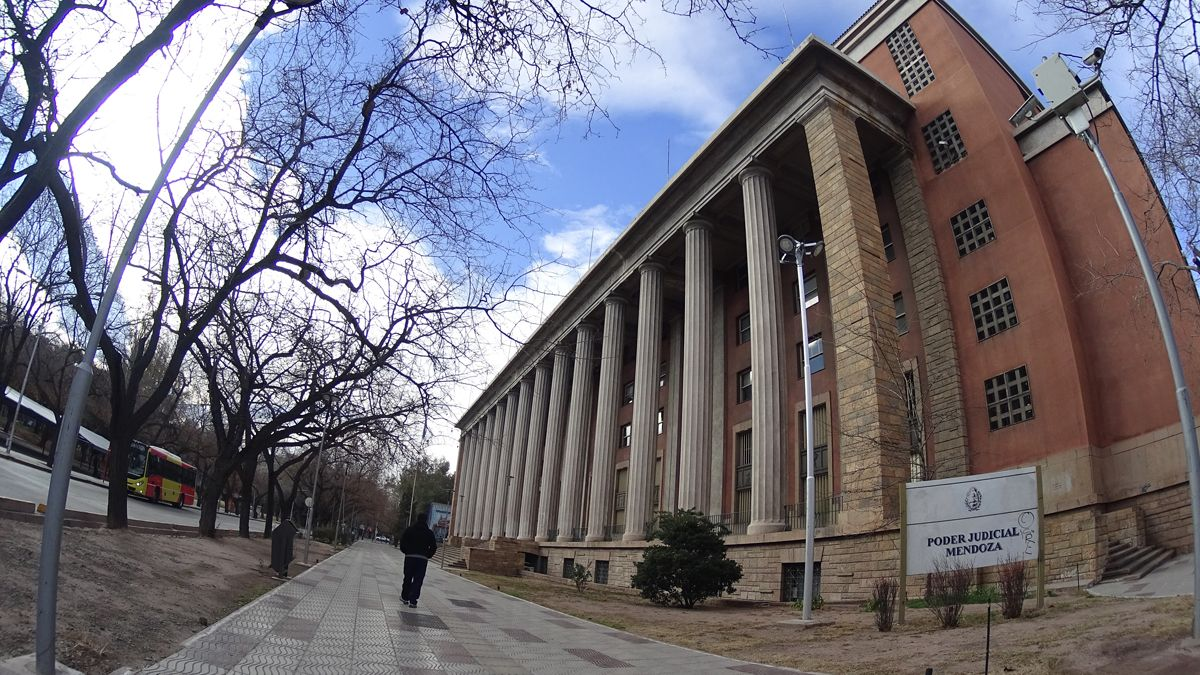 El edificio central de la Justicia de Mendoza.
