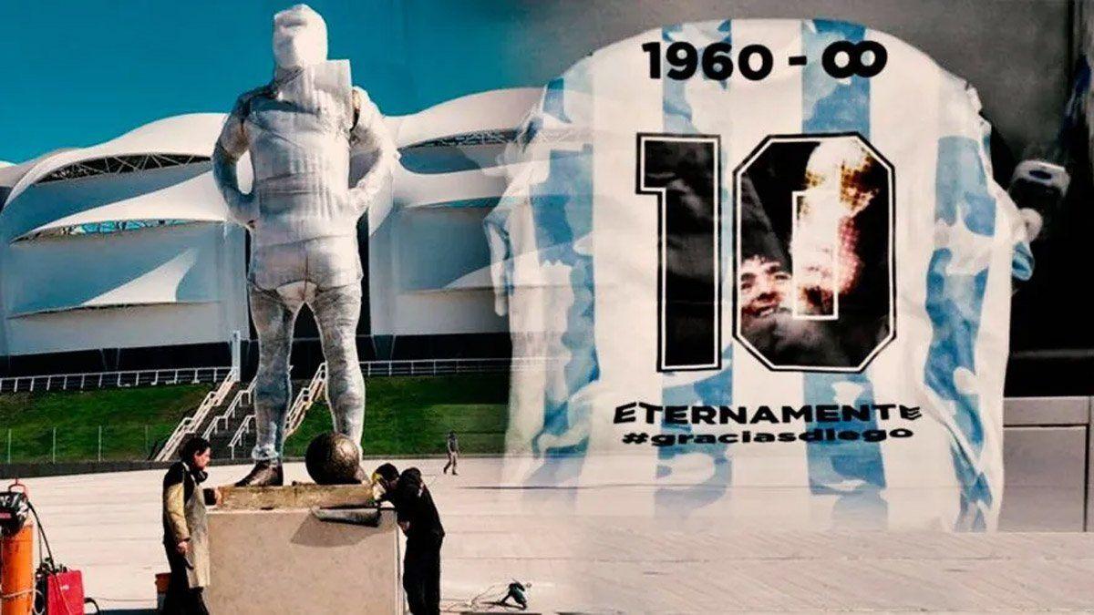 Inauguraron una estatua de Maradona de cinco metros y dos toneladas