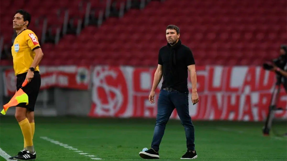 El Chacho Coudet ya es el DT del Celta de Vigo y se lleva un refuerzo argentino