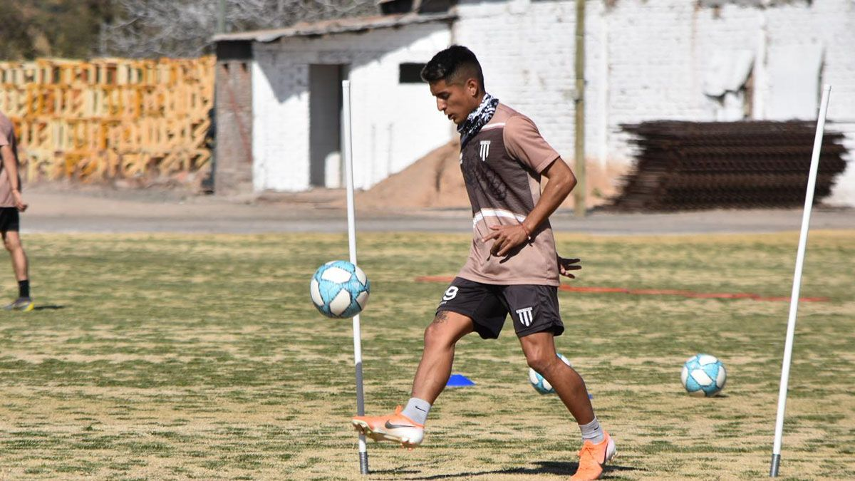 El jugador del Lobo Fer Cortés. Foto: gentileza Prensa Gimnasia y Egrima.