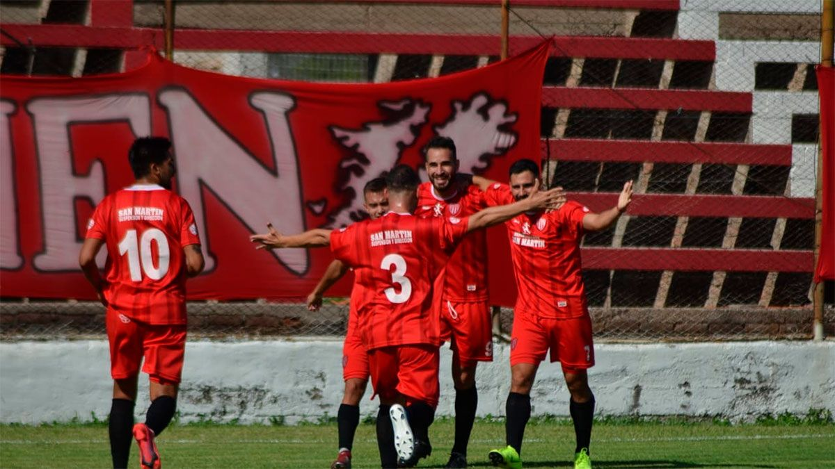 Triunfazo demoledor para el León que jugará la final. (Fotos gentileza Prensa San Martín).