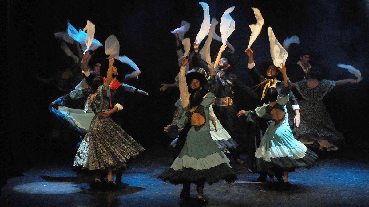 El Día Nacional de la Danza se celebra el 10 de octubre.