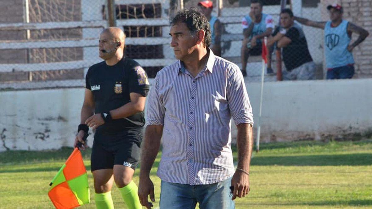 Darío Alaniz continúa siendo el DT del Globo.