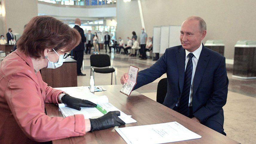 Rusia votó en el plebiscito que define el futuro político de Vladimir Putin
