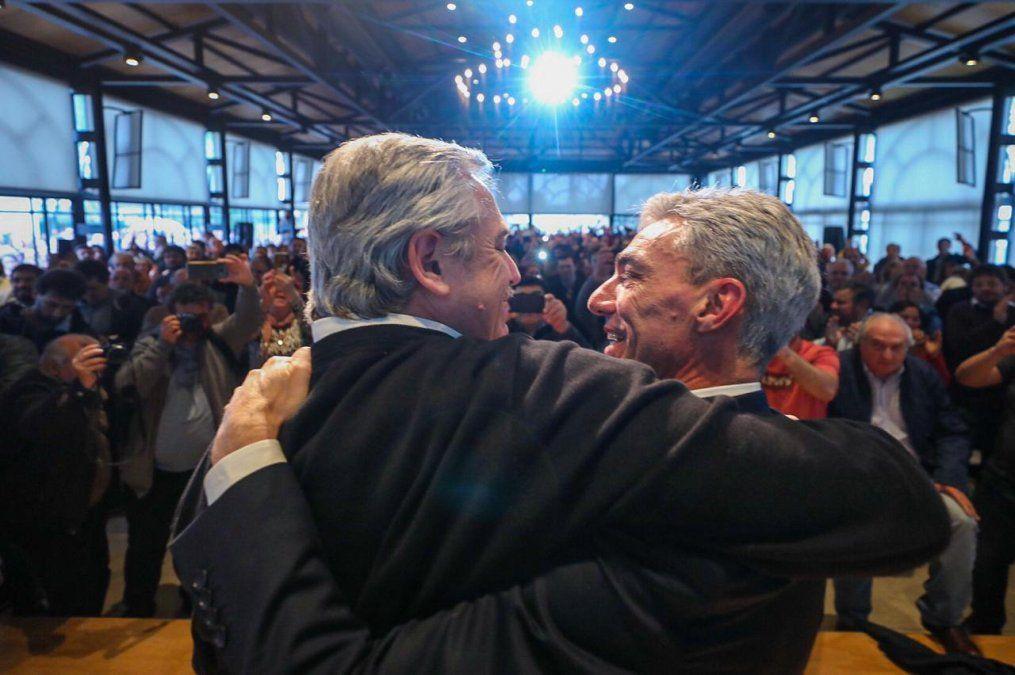 El presidente Alberto Fernández junto al ministro de Transporte