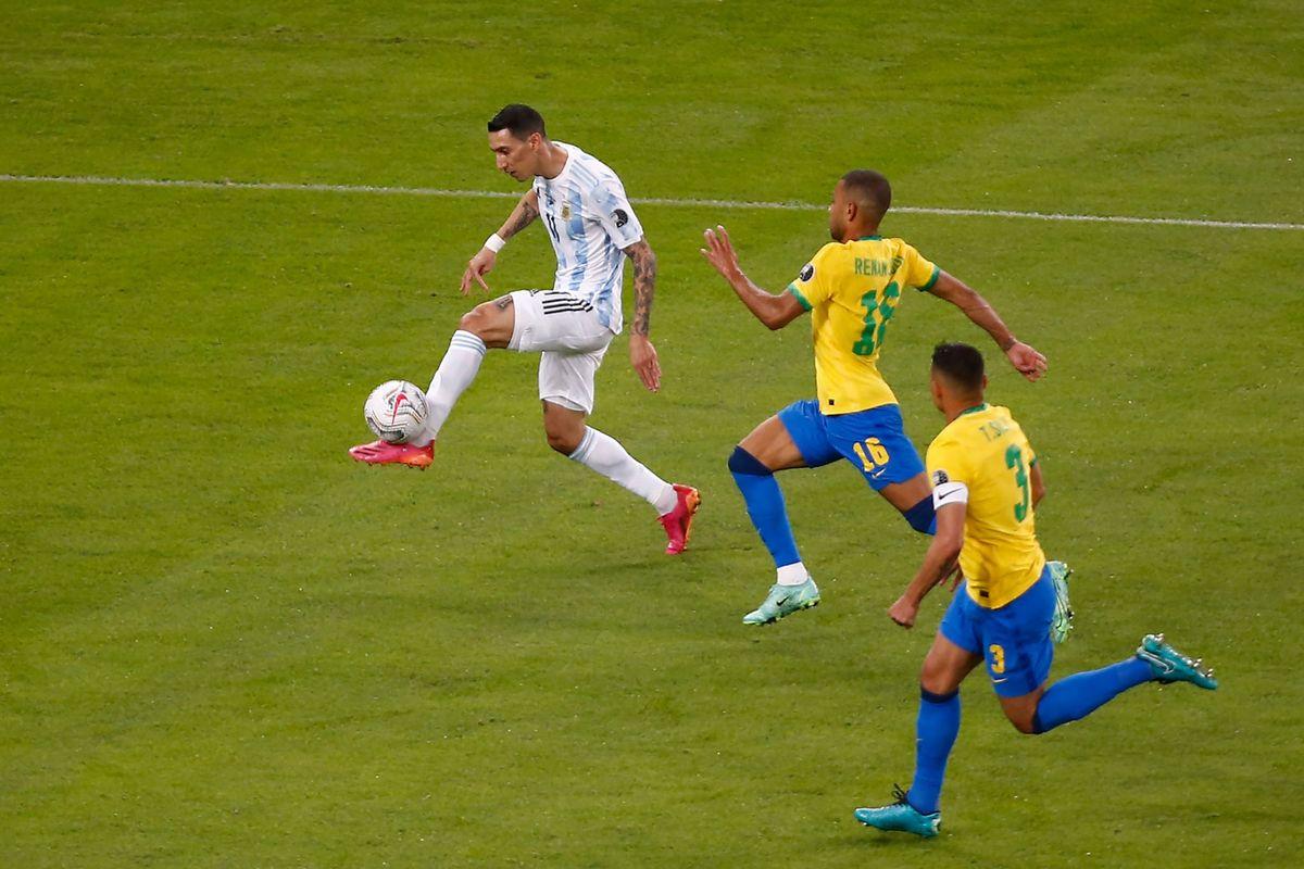 Ángel Di María definió con categoría y Argentina se puso 1 a 0 ante Brasil.