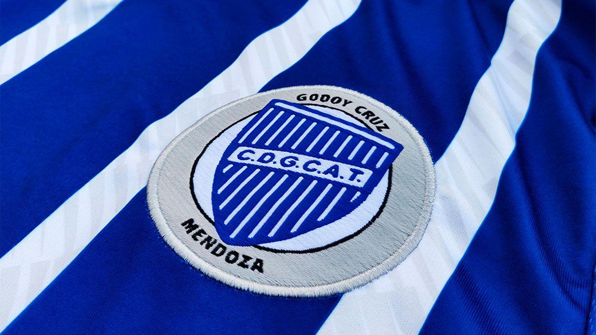 Godoy Cruz presentó la nueva marca que lo vestirá