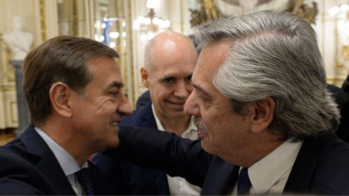 Vacunación: Suarez definirá con Fernández el inicio de la campaña