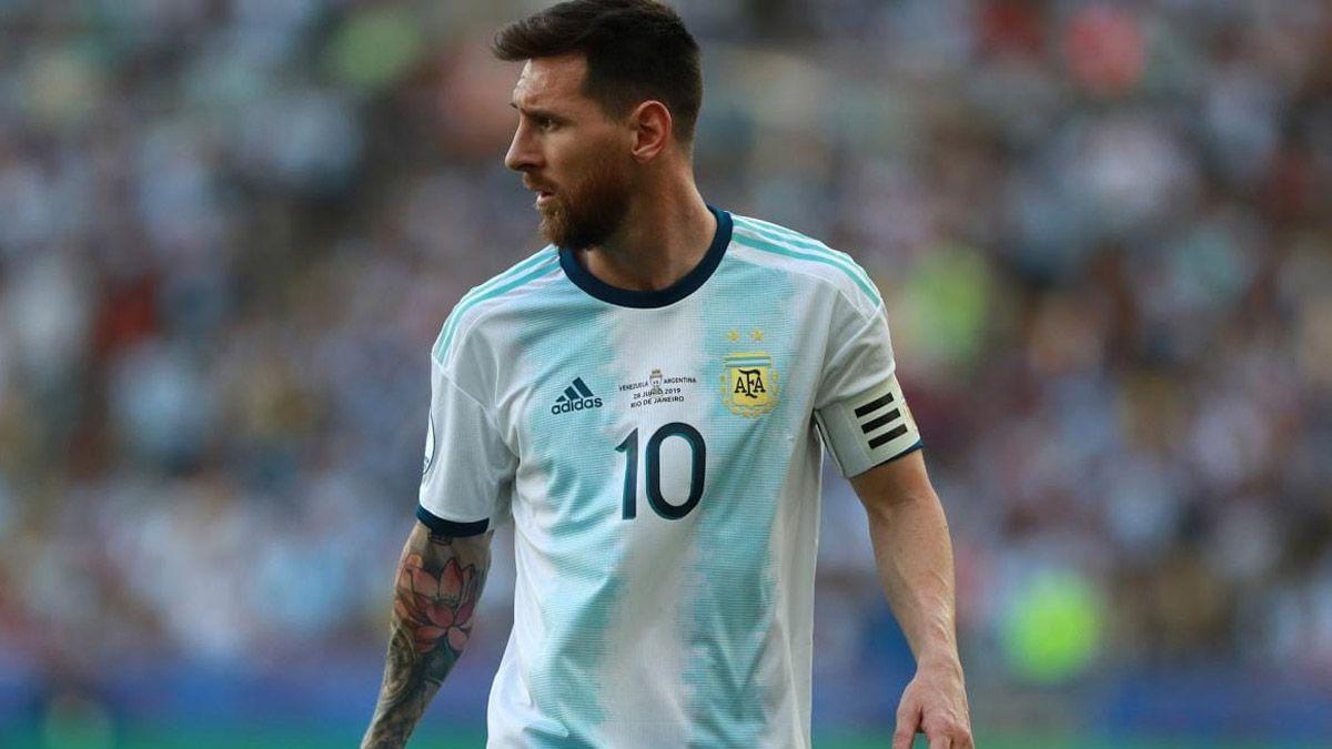 Argentina y los árbitros para jugar ante Paraguay y Perú
