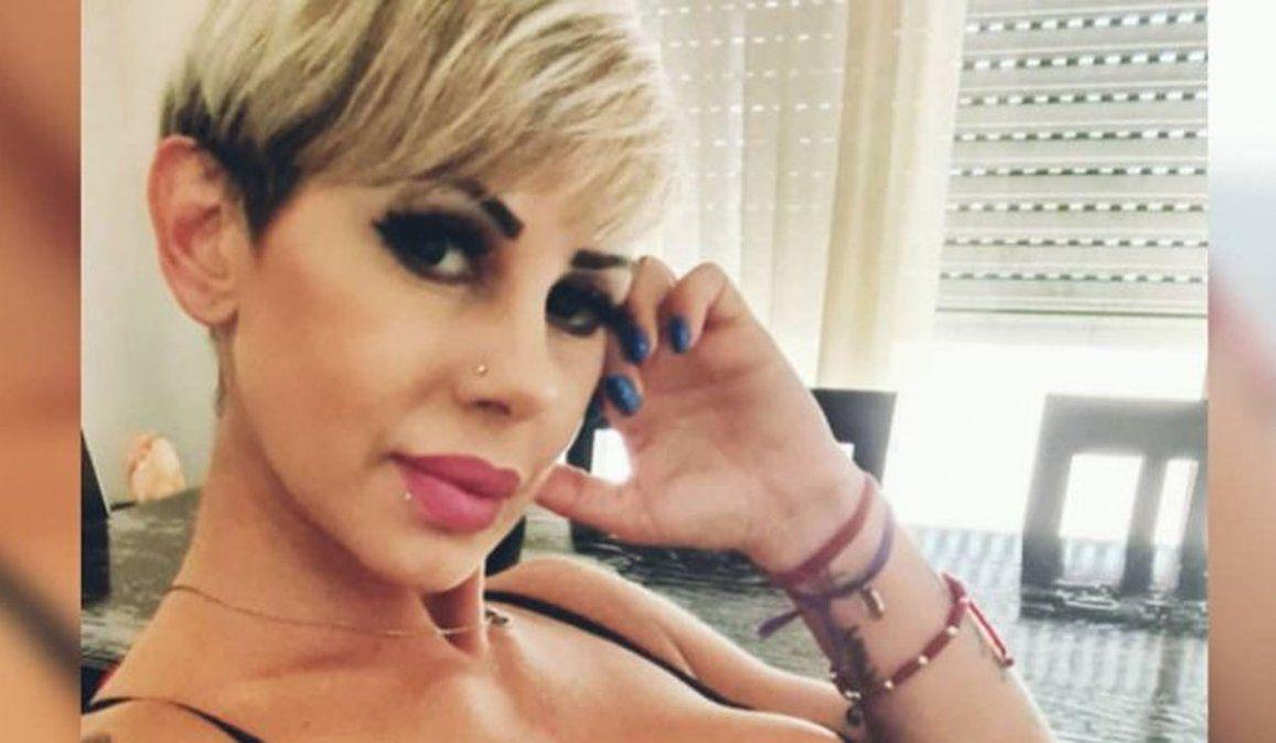 Mónica Farro despidió a su hijo con dolor