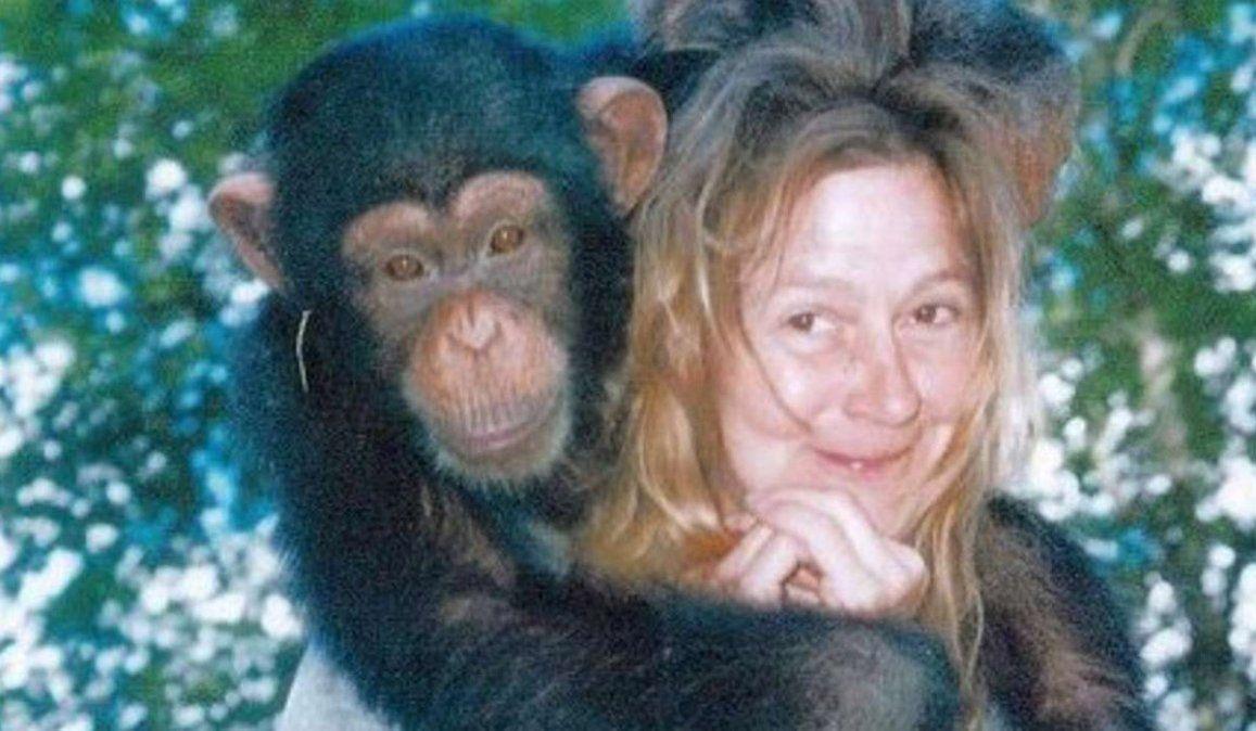 Mi chimpancé se está comiendo a mi amiga: la tétrica historia de Charla Nash