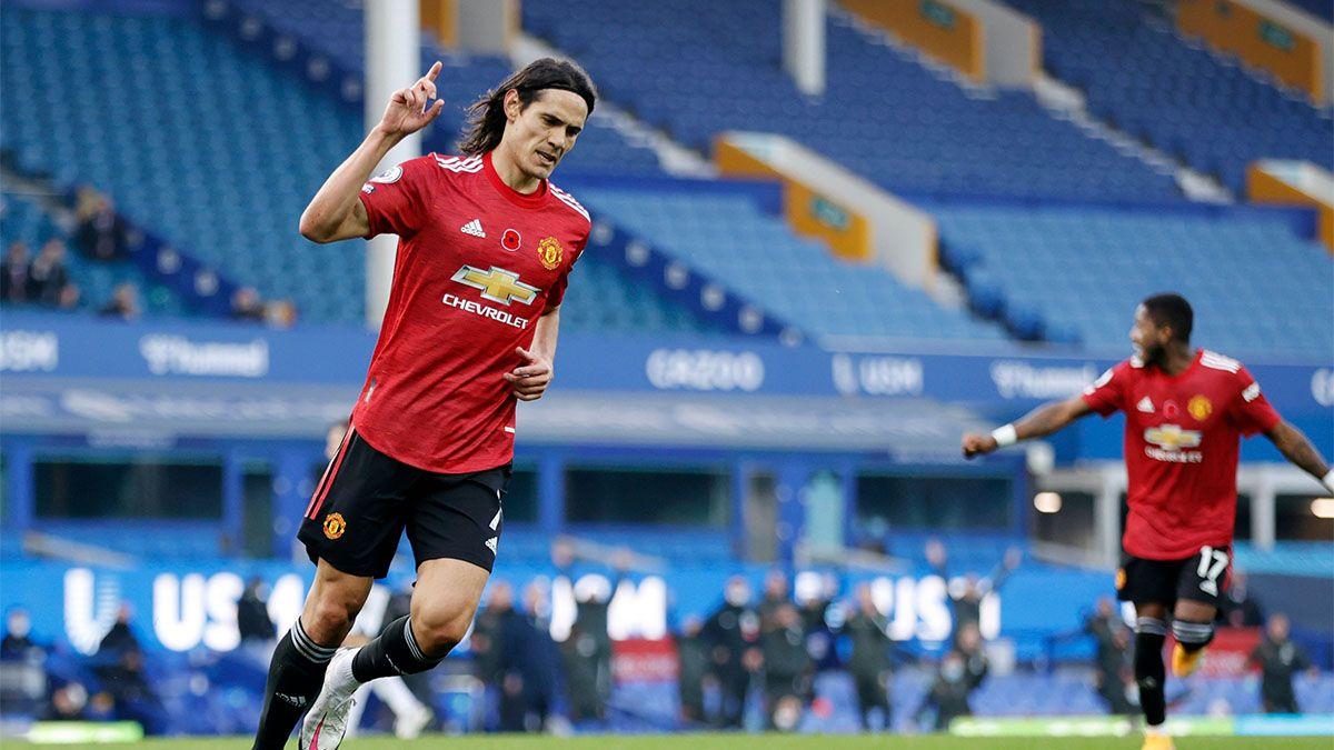 Manchester United ganó y Cavani marcó su primer gol