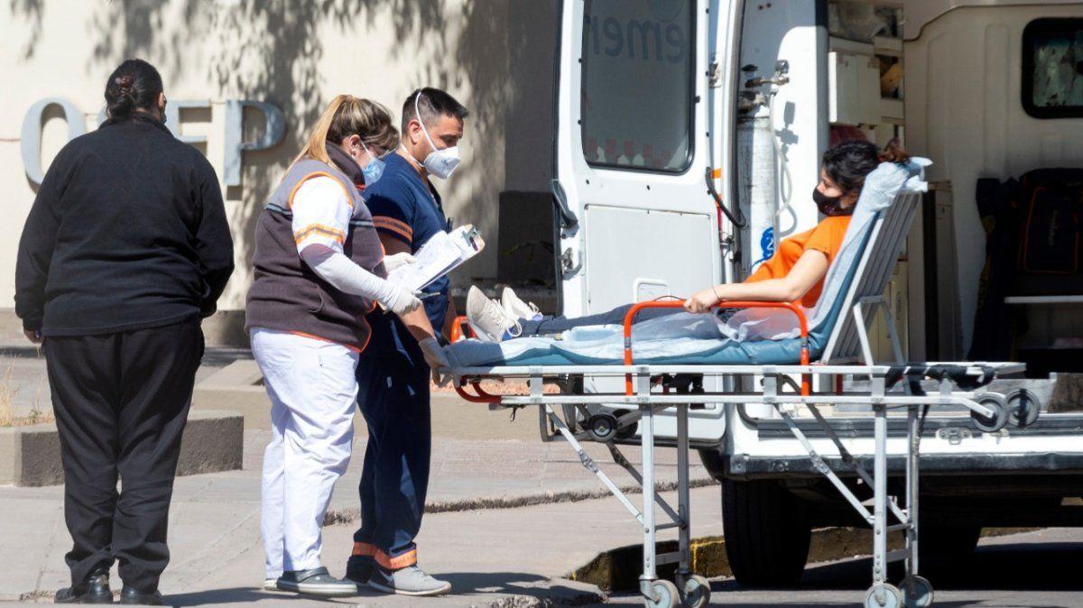 El aumento de ingresos a la guardia Covid-19 del hospital El Carmen fue explosivo en agosto.