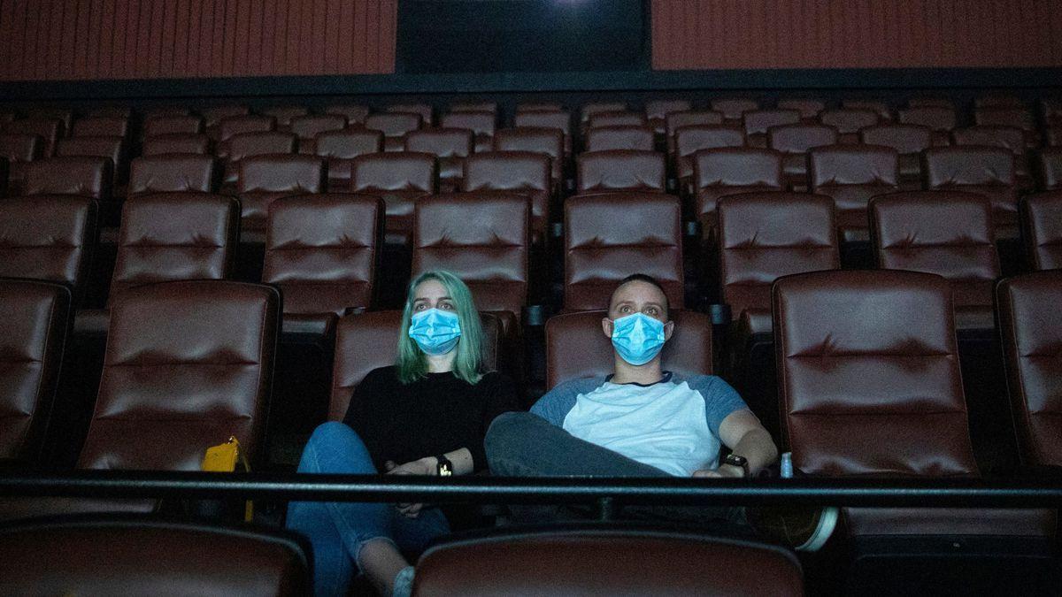 Pese a que el gobernador Rodolfo Suarez habilitó la reapertura de cines en la provincia