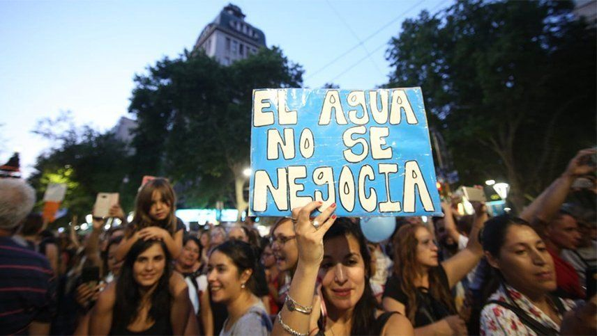 Las protestas antimineras de fines de diciembre pasado tiraron abajo una ley que había sido aprobada por radicales y peronistas. Foto: Fernando Martínez.
