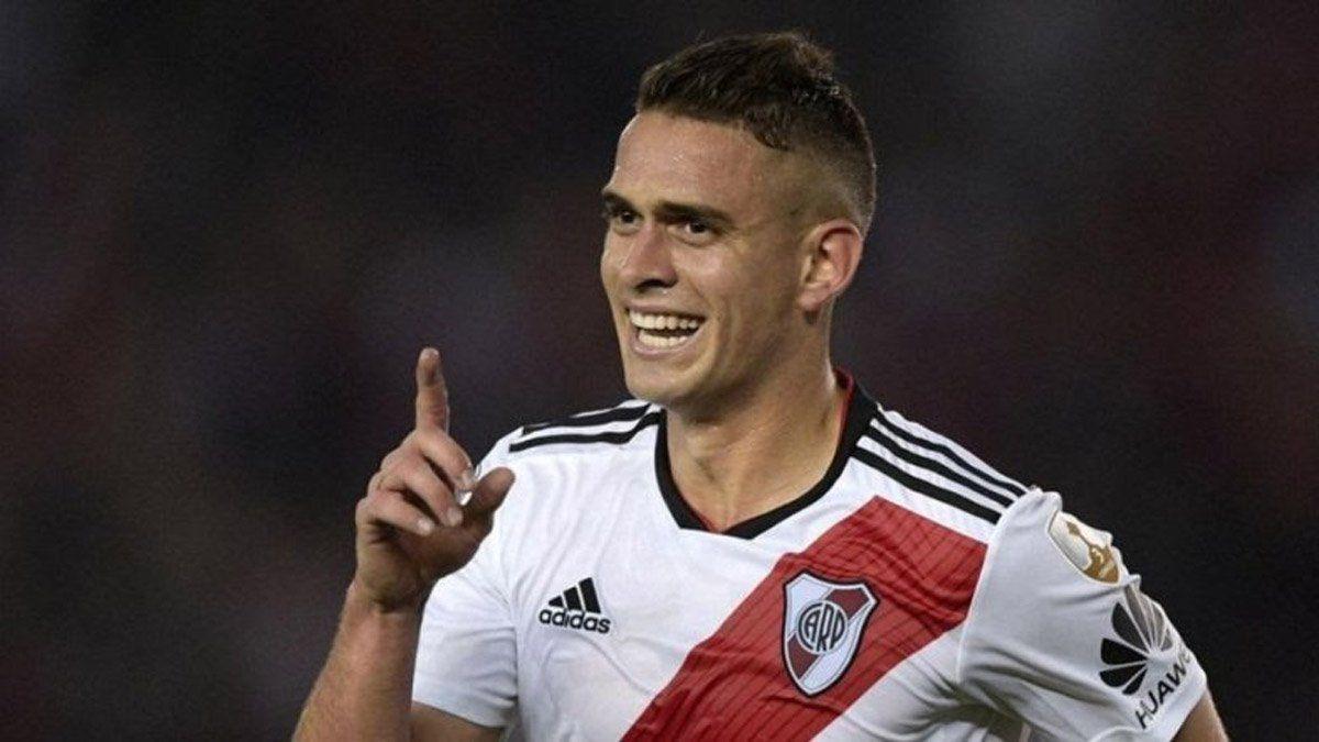Santos Borré está feliz en River, pero atento a las ofertas