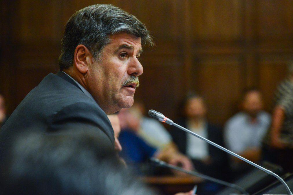 El senado aprobó el proyecto de Ficha Limpia que impide que los políticos que tengan condena puedan ser candidatos. Volverá a Diputados porque se incorporaron más delitos.