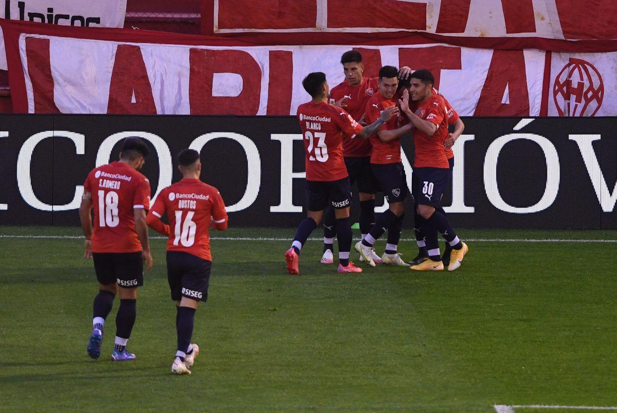 Independiente, con gol de Soñora, le ganó a Huracán y se prende en la Liga Profesional de Fútbol.
