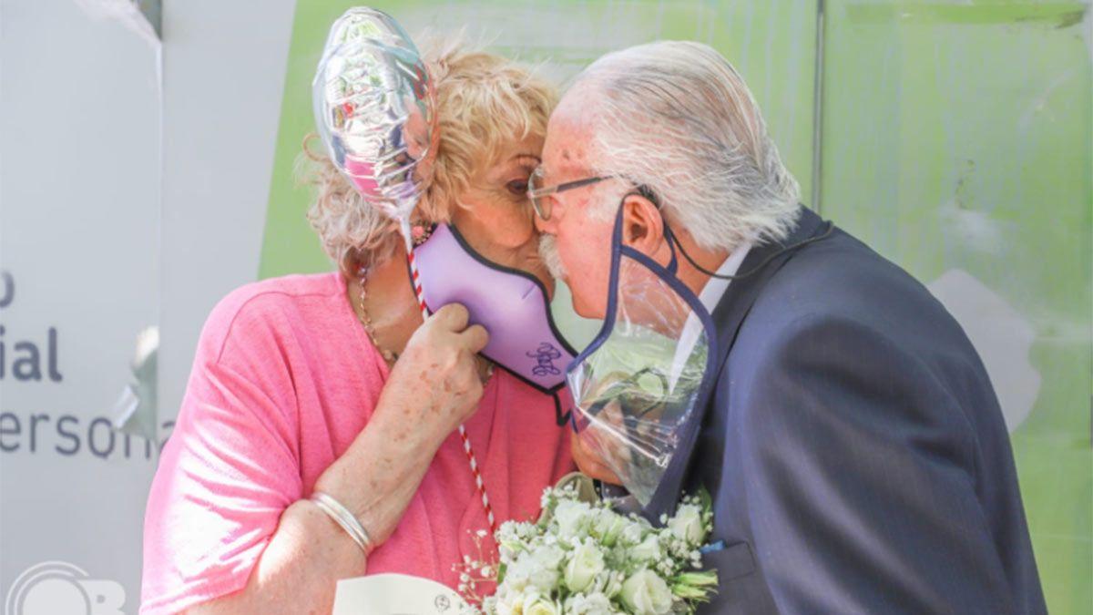 Blanca y Florencio se casaron después de 60 años juntos. Fue en Mar del Plata