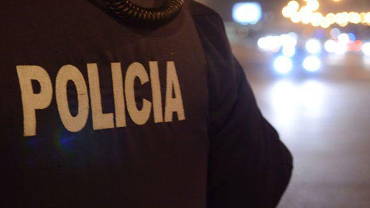 Los dos adolescentes fueron violentamente amenazados en medio de un asalto en el 8º barrio CEC de San Martín.