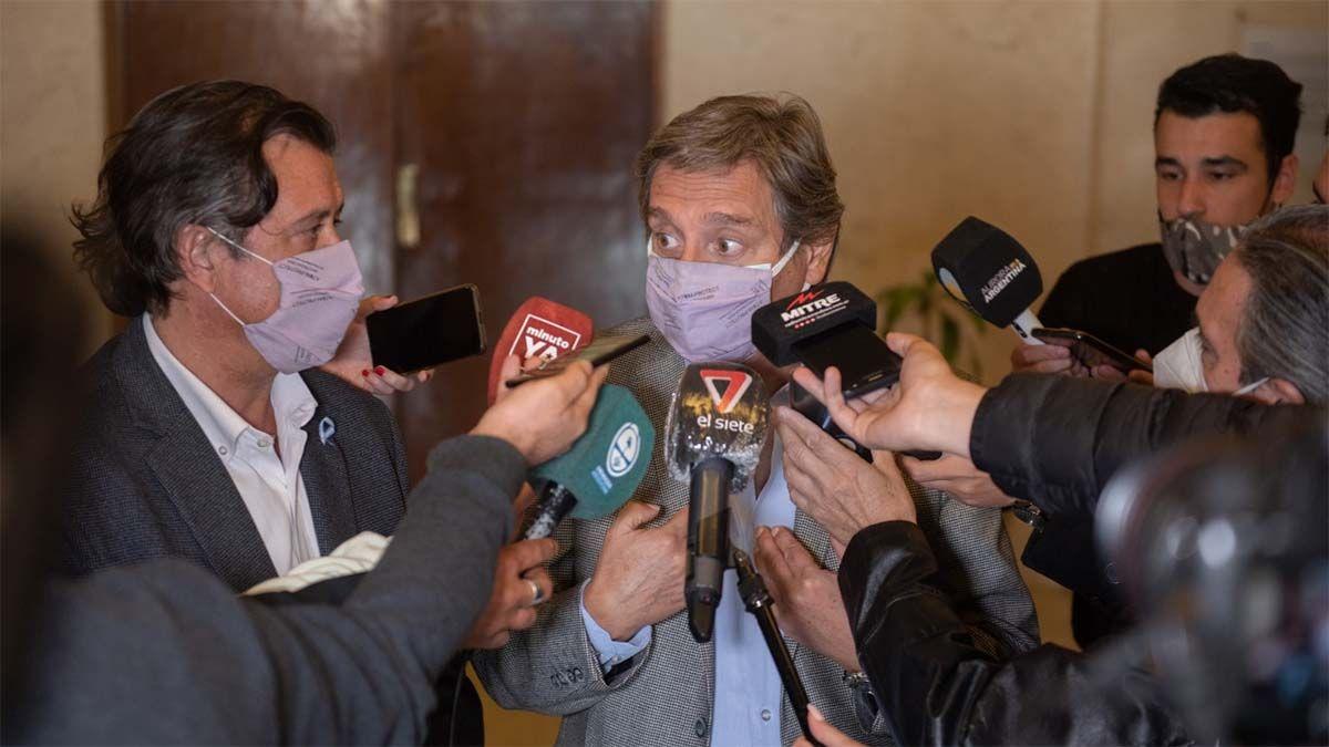 Emir Félix pidió a Suarez pasar a la virtualidad a las escuelas secundarias. El gobernador responderá el viernes.visibility