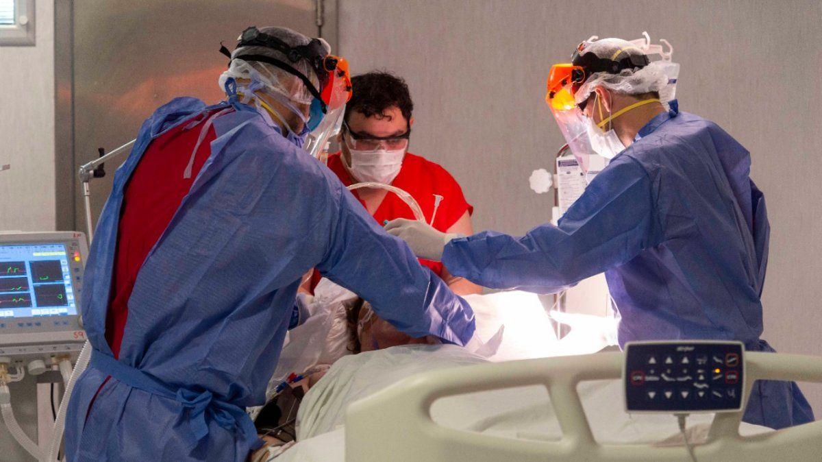 Mendoza ha mostrado un importante suba en la cifra de muertos por coronavirus y podría terminar el mes contabilizando casi 200 fallecimientos.