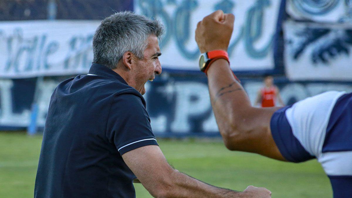 El entrenador en esta segunda etapa en la Lepra ha metido cuatro triunfos consecutivos.