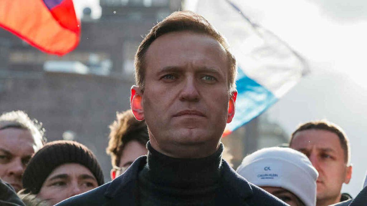 El lider opositor ruso Alexei Navalny ya no debe utilizar el respirador artificial luego de haber permanecido varios días en coma.