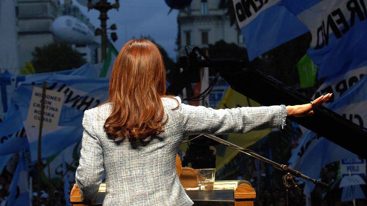 La vicepresidenta Cristina Kirchner volvió a señalar desde el púlpito cuál es el camino.