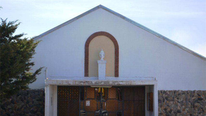 Amonestaron a sacerdotes de Malargüe por innovar en la entrega de la hostia